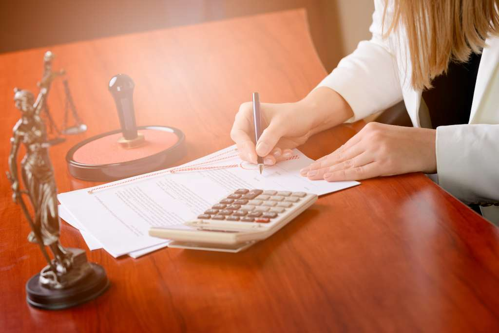 Sell a property with a purchase & sale contract at the notary office